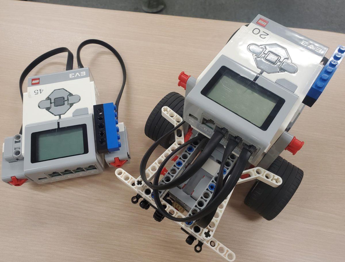 無線でロボットを遠隔操作